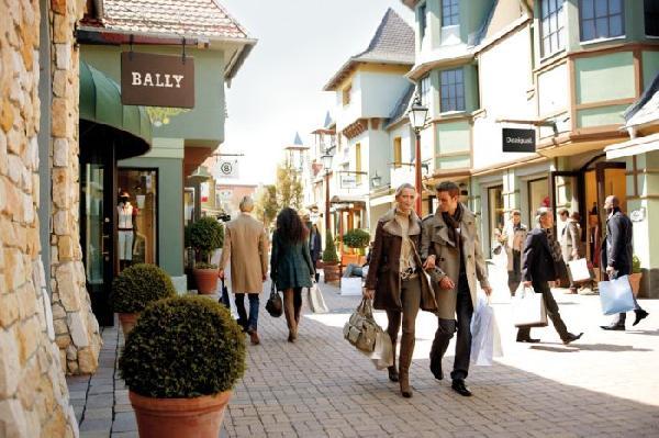 Wertheim Village 购物之旅
