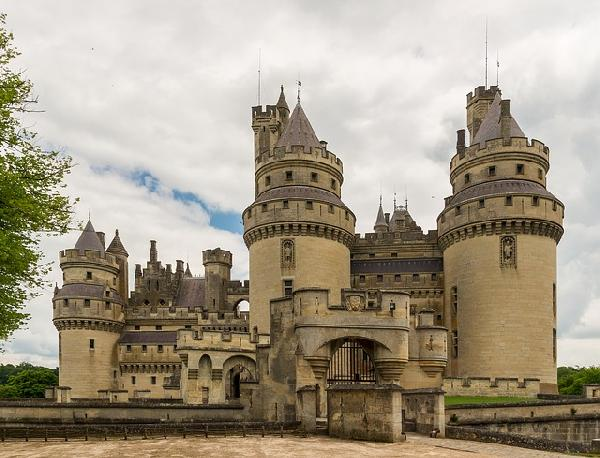 One-Day Trip of Lorie's Castles and Wine Tasting