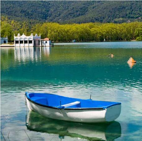 加泰罗尼亚传说—贝萨卢小镇+巴尼奥莱斯湖区一日游