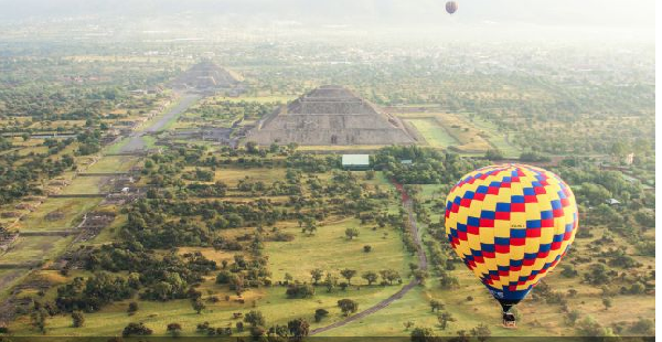Day Trip to Enjoy Pyramid on hot air balloon