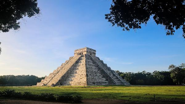 Day trip to Chichen Itza Pyramids and Cenote Ik kil, Mexico (from Cancun)