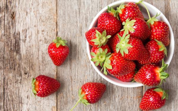 """甜""""莓""""盛夏 草莓庄园一日游"""