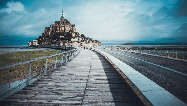 Guided Tour of Mont Saint-Michel from Paris, Lunch included
