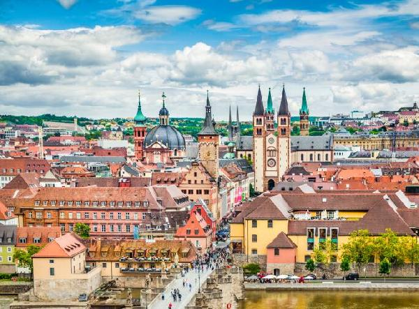 Frankfurt Day Tour B Line: Romantic Road Starting Point Würzburg + Rothenburg Fairytale Town