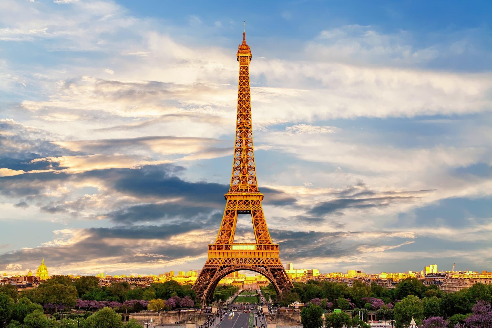 4星·浪漫巴黎3日游A线·卢浮宫+塞纳河游船+巴黎圣母院+香榭丽舍大街+埃菲尔铁塔+协和广场+凡尔赛宫+香波堡+舍农索城堡·2人起订·铁定成团·2-6人小车团